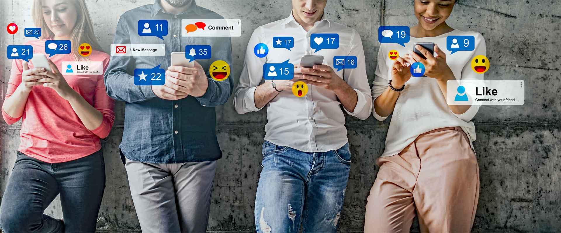 Menschen mit Smartphones als Motiv zur Marktforschungsstudie über TV-Formate im Kontext von Social Media