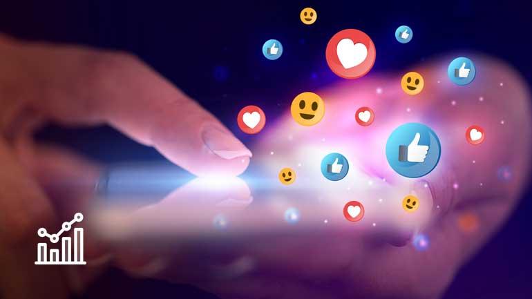 Finger auf Touchscreen und Emoticons (Symbolfoto phaydon Marktforschung Lösungen)