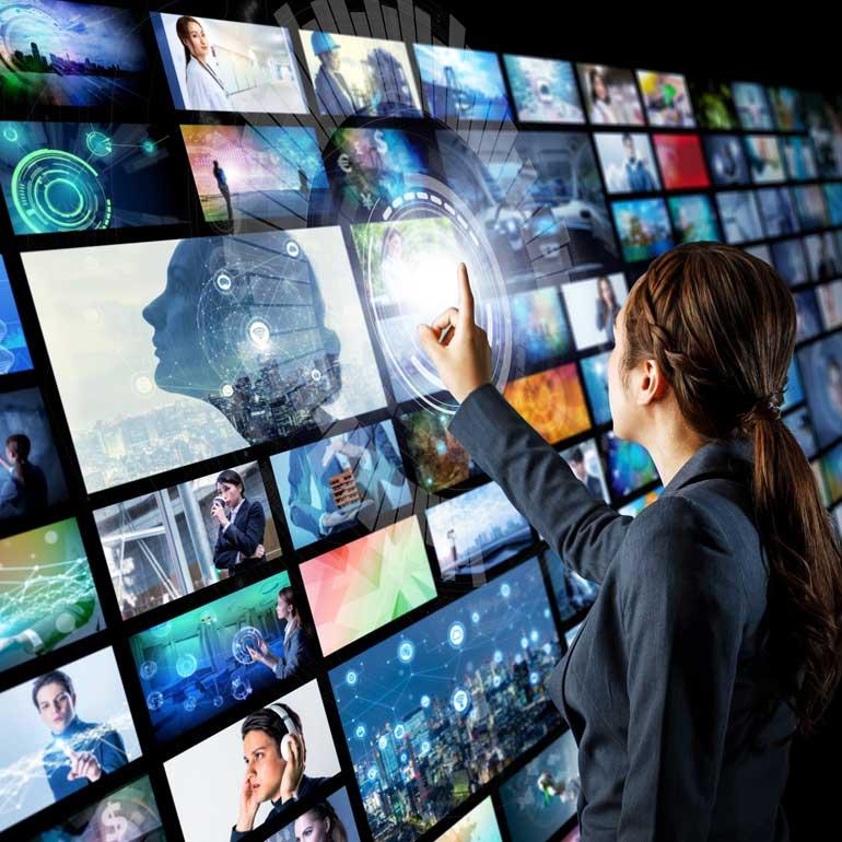 Touchscreen als Motiv zur Marktforschungsstudie über deutsche Fernsehserien